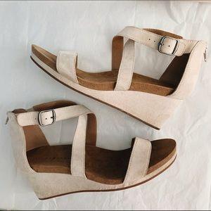 Lucky Brand Kenadee Wedge Sandals Cream